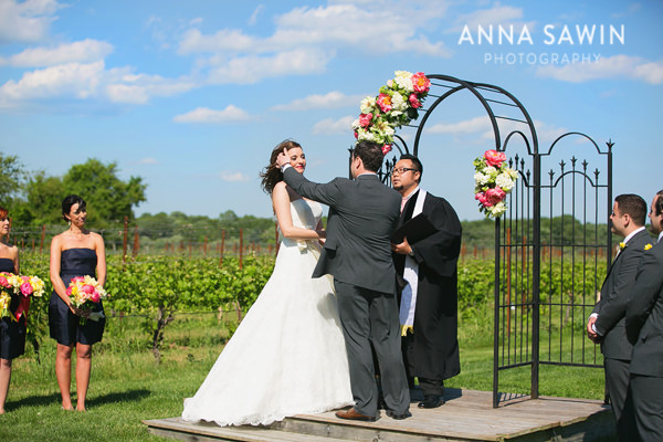 AnnaSawinPhotography_Stonington_SaltWaterFarmVineyardWedding_0007