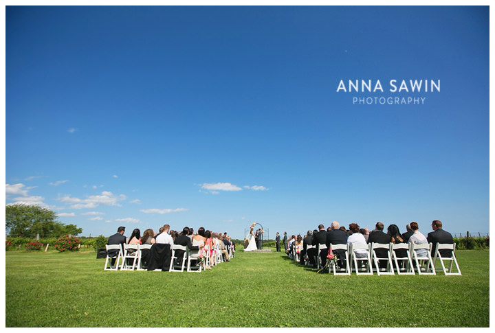 AnnaSawinPhotography_Stonington_SaltWaterFarmVineyardWedding_0010