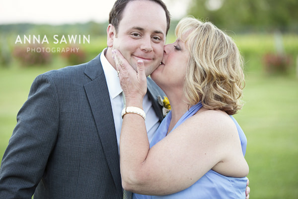AnnaSawinPhotography_Stonington_SaltWaterFarmVineyardWedding_0026