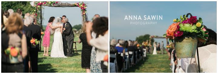 023JonathanEdwardsWinery_Wedding_AnnaSawinPhoto_StoningtonCT_TentWedding