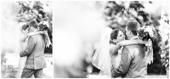 026JonathanEdwardsWinery_Wedding_AnnaSawinPhoto_StoningtonCT_TentWedding