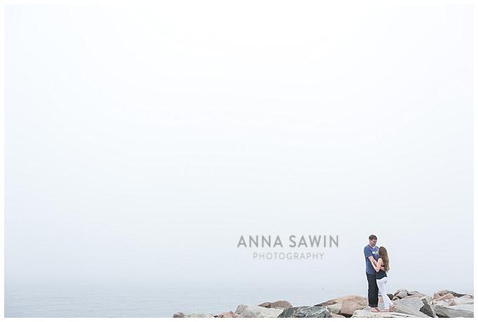 AnnaSawinPhoto_StoningtonPoint_Beach_EngagementSession_CTWeddingPhotography007