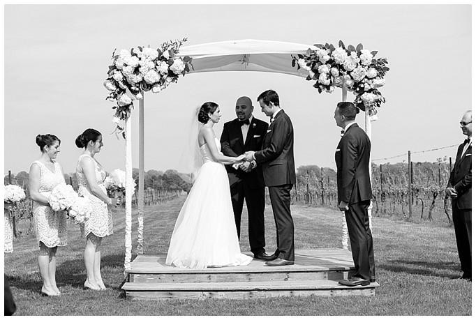 AnnaSawinPhotography_SaltwaterFarmVineyard_Wedding_StoningtonCT025