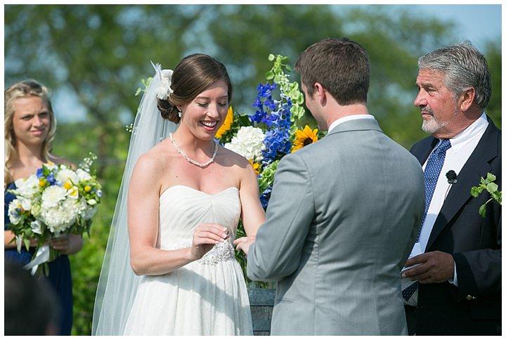 SaltWaterFarmVineyard_WeddingCT_NavyBlue_Coastal_AnnaSawinPhotography032