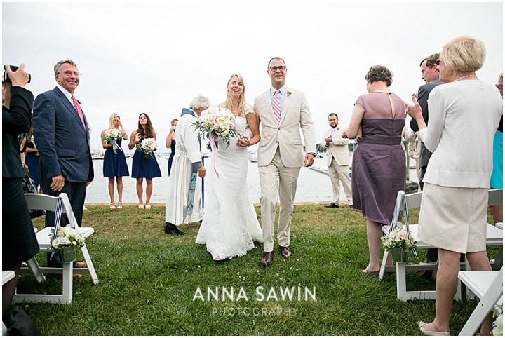 Stonington_Beach_Wedding_WadawanuckClub_AnnaSawinPhotography_StoningtonCT_NavyBlueBridesmaids_ConnecticutShoreline_007