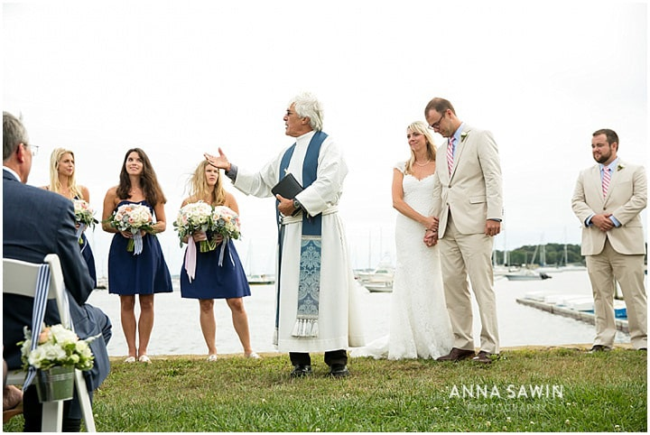 Stonington_Beach_Wedding_WadawanuckClub_AnnaSawinPhotography_StoningtonCT_NavyBlueBridesmaids_ConnecticutShoreline_011