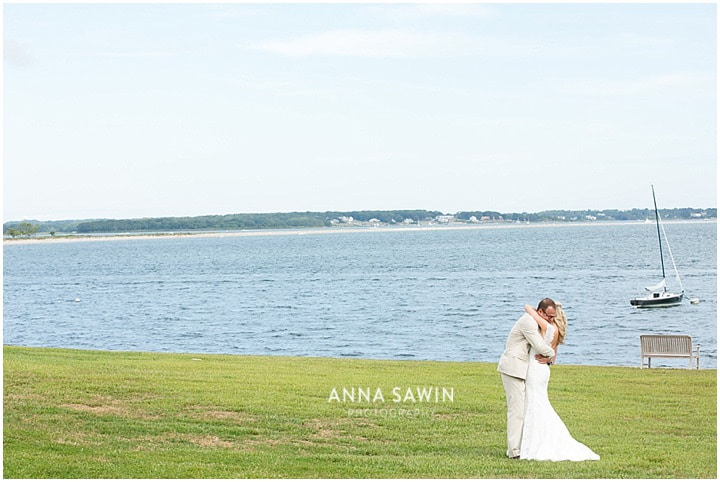 Stonington_Beach_Wedding_WadawanuckClub_AnnaSawinPhotography_StoningtonCT_NavyBlueBridesmaids_ConnecticutShoreline_017
