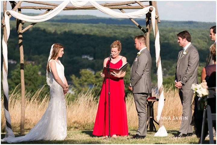 redmaplevineyard_wedding_hudsonrivervalley_wedding_annasawinphoto_july_097